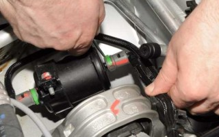Как поменять топливный фильтр на Рено Дастер