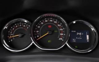 Рено Сандеро расход топлива: заявленный и реальный