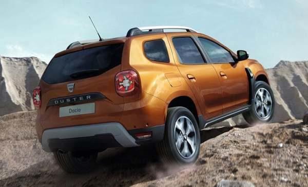 Вид сзади Renault Duster