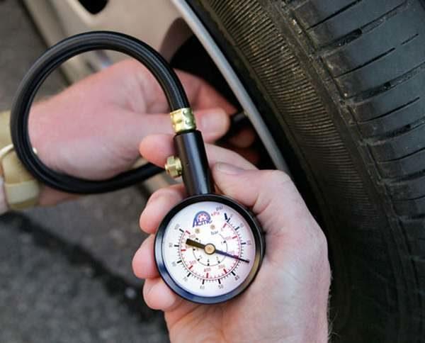 покрышке автомобиля давление шинах
